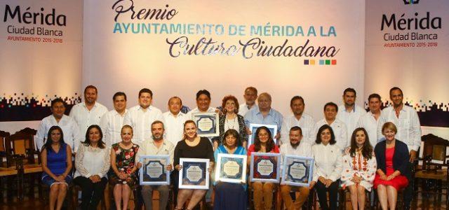 Mérida premia a la cultura de valores cívicos
