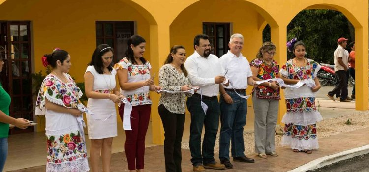 """DIF Yucatán inaugura en Izamal el EAED """"La esperanza"""""""