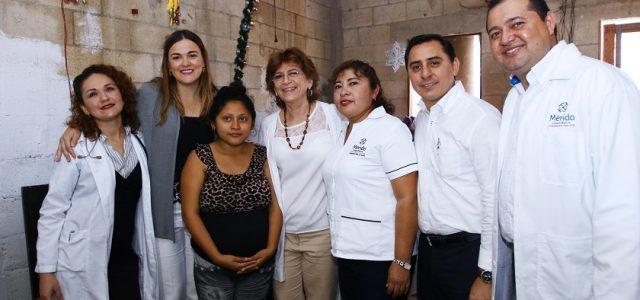 """María Fritz visita a beneficiarias del programa """"Médico a Domicilio"""""""