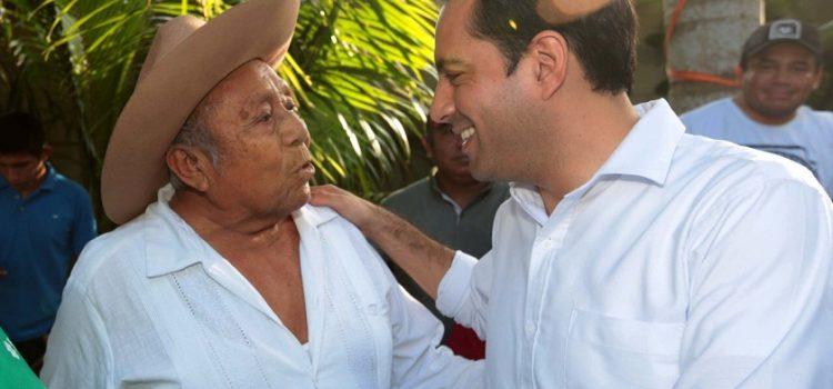 Escuchar a todos para dar más a Yucatán: Mauricio Vila