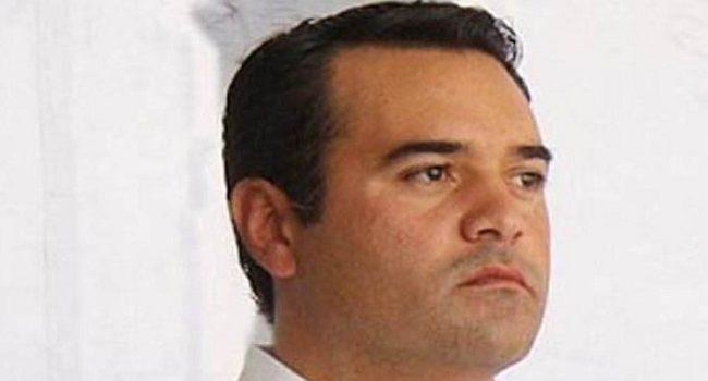Renán Barrera detenido en alcoholímetro