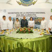 María Fritz participa en la ceremonia por el Día del Ejército