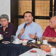 Es necesario tener una sociedad fuerte y comprometida: Renán Barrera