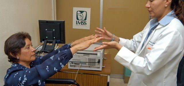 Pacientes con enfermedad de Parkinson reciben atención en el Imss Yucatán