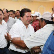 Refrenda Sahuí apoyo a ganaderos