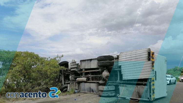 Photo of Queda volcado en la carretera Chelem-Progreso