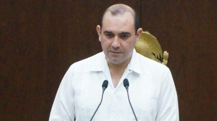 Photo of Menos 'chapoteo' político y más soluciones, pide un diputado