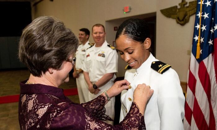 Photo of Primera mujer afroamericana en ser nombrada Comandante de brigada en los Estados Unidos