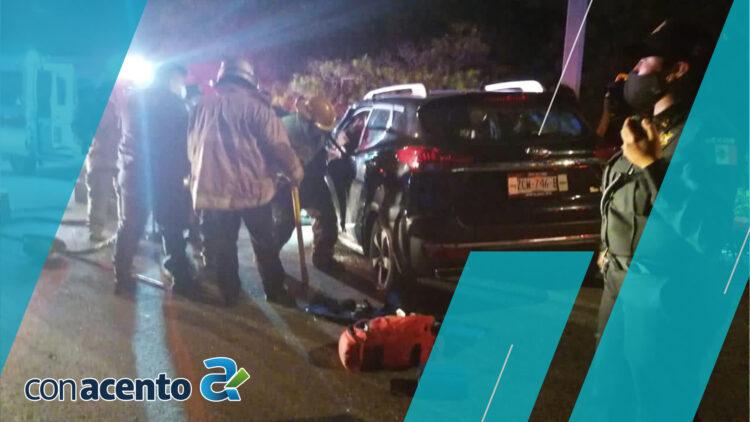 Photo of Fuerte choque en periférico, madre e hija quedaron prensadas