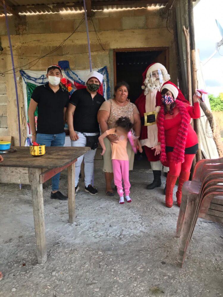 Photo of «Santa» entrega regalos en Conquista Campesina