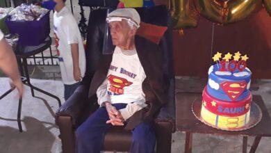 Photo of Abuelito cumple 100 años y así lo celebra en Mérida