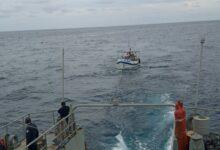Photo of La Marina rescata a cinco pescadores varados en la costa de Yucatán