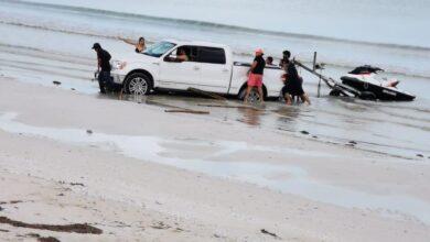 Photo of Entra con todo y camioneta a zona de anidación de tortugas en Telchac