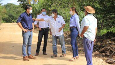 Photo of Cinco unidades de riego y 4 kilómetros de caminos saca-cosechas se suman a otros programas de apoyo al campo