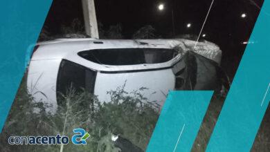 Photo of Intenta rebasar y termina volcado en la Mérida-Progreso