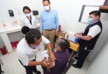 Photo of Inicia vacunación contra Covid-19 a adultos mayores en Umán