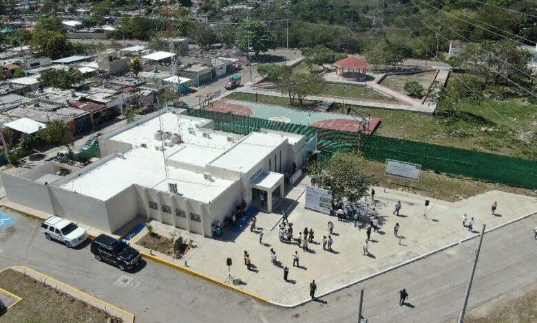 Photo of Mauricio Vila entrega trabajos de modernización en unidades de Kanasín y Mérida