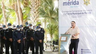 Photo of Renán Barrera dota de tecnología a la Policía Municipal