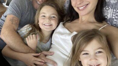 """Photo of Gal Gadot anuncia su embarazo: """"Aquí vamos de nuevo""""…"""