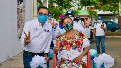 """Photo of Jaranas y """"bombas"""" le ponen sabor a  la campaña de Víctor Hugo Lozano"""