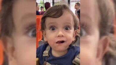 Photo of La encantadora reacción de un bebé a su primer taco al pastor