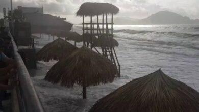 Photo of En Sonora, marea arrasa con la «playa incluyente», que costo de 8 millones 400 mil pesos