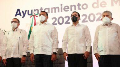 Photo of Mauricio Vila acude a la toma de protesta del alcalde de Mérida, Renán Barrera