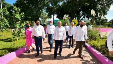 Photo of AMLO invita a gobernador saliente del PAN a su Gobierno