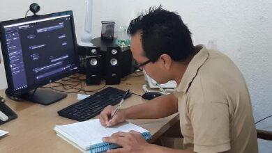 Photo of Interno obtiene su título como ingeniero tras presentar examen profesional de la UNAM