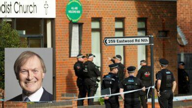 Photo of Diputado británico muere tras recibir varias puñaladas durante un acto público